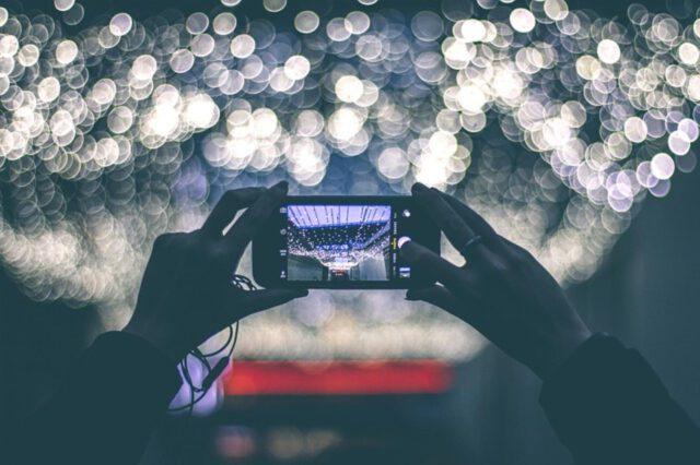 Ochrona wyświetlacza – jak wybrać odpowiednie szkło hartowane.