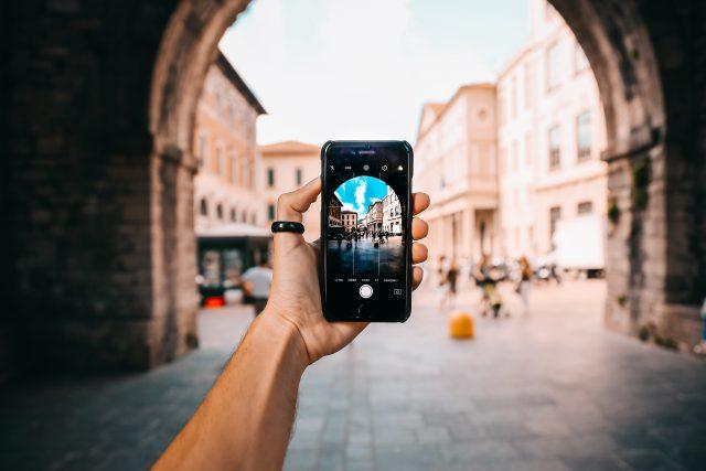 Jaki smartfon z dobrym aparatem kupić?