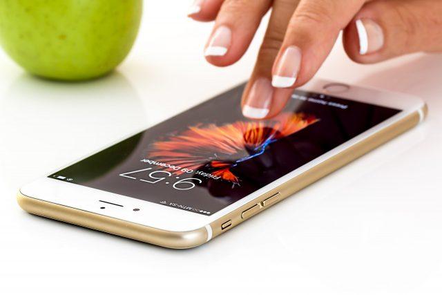 Jaki smartfon do 1000 zł warto kupić?
