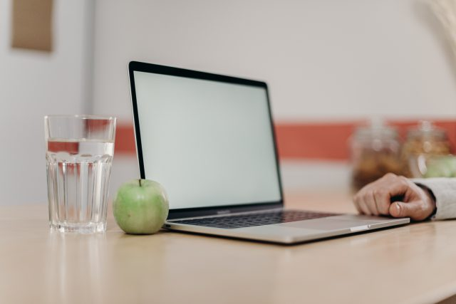 Zalany laptop – czy da się naprawić?